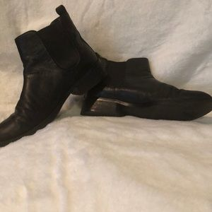 Used Cole Haan Landsman Chelsea Ankle Boots